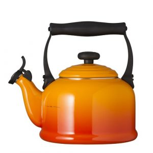 Kitchen and Table 2.1L Whistling Stovetop Kettle Le Creuset Colour: Volcanic